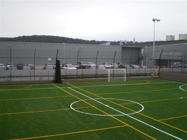 Chainwire sporting enclosure fencing